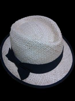帽子イタリア背景なし.png